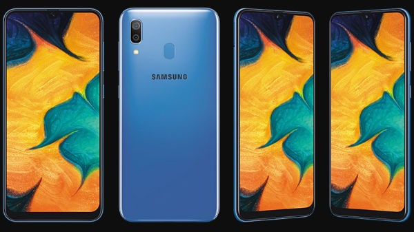Samsung Galaxy A30 (MRP: Rs 18,000, Discount Price Rs 15,490)