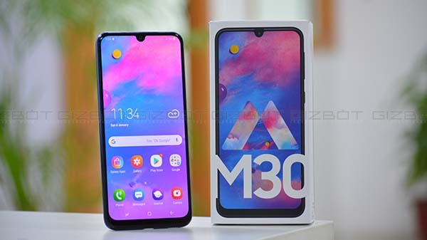 Samsung Galaxy M30 (MRP: Rs 19,590, After Discounts Rs 16,990)