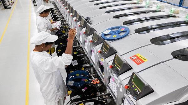 കൊറോണ വൈറസ് ലോക്ക്ഡൗണിനെ തുടർന്ന് ഇന്ത്യയിലെ ഉൽപാദനം നിർത്തിവെച്ച് ഐഫോൺ XR: റിപ്പോർട്ട്