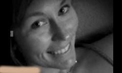 കാറോടിക്കവെ ഫേസ്ബുക്കില് സെല്ഫി പോസ്റ്റ് ചെയ്ത യുവതി തൊട്ടടുത്ത നിമിഷം ട്രക്കിടിച്ചു മരിച