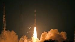 ഭൗമനിരീക്ഷണ ഉപഗ്രഹം റിസാറ്റ്-2ബി ഐഎസ്ആര്ഒ വിജയകരമായി വിക്ഷേപിച്ചു